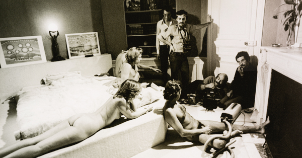 Chaudes ados-scene aspirateur_Kikoine_gauloise-de-nuits-600
