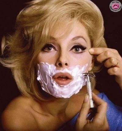 femme-a-barbe-produits taxés-Eckert-gauloise de nuits-photo 1